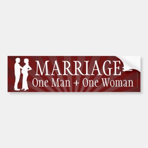 La boda iguala a un hombre + Una pegatina para el  Pegatina De Parachoque