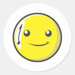 La bola de billar sonriente numera uno etiqueta redonda