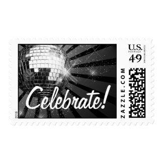 La bola de discoteca de plata de la chispa celebra timbres postales