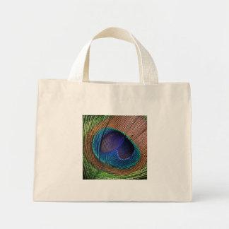 La bolsa de asas azul hermosa de la foto de la plu