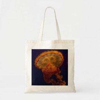 La bolsa de asas de la foto de las medusas