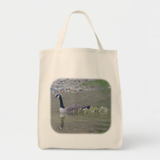 La bolsa de asas de la mamá del ganso de Canadá y