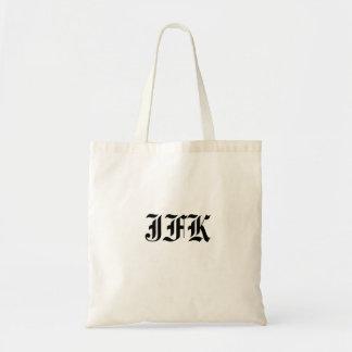 La bolsa de asas de las iniciales del monograma