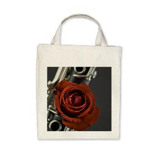 La bolsa de asas del Clarinet y del rosa rojo