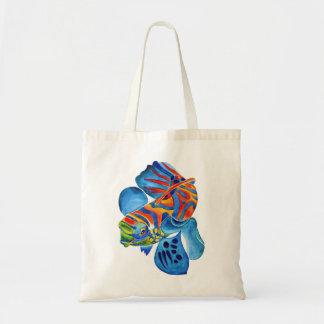 La bolsa de asas del diseño de los pescados del ma