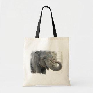 La bolsa de asas del elefante el tocar la trompeta
