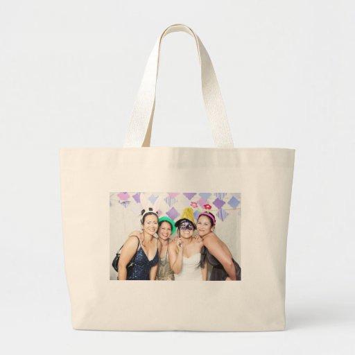 La bolsa de asas del jumbo del boda de Olivia y de