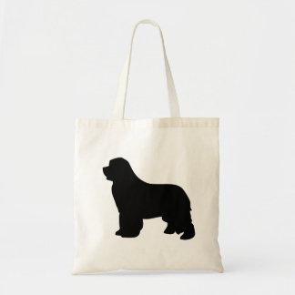 La bolsa de asas del perro de Terranova, silueta