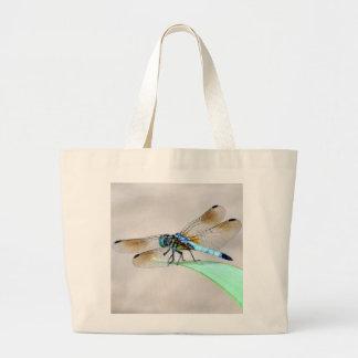 La bolsa de asas grande de la libélula