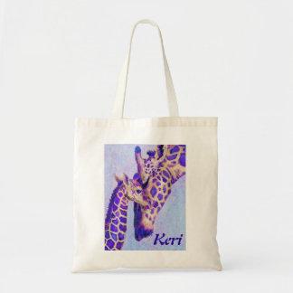 La bolsa de asas púrpura de dos jirafas