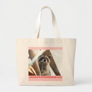 La bolsa de asas rescatada del mapache