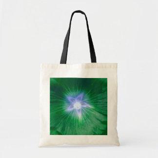 La bolsa de asas verde magnífica del presupuesto d