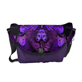 La bolsa de mensajero abstracta púrpura de la bolsa de mensajería