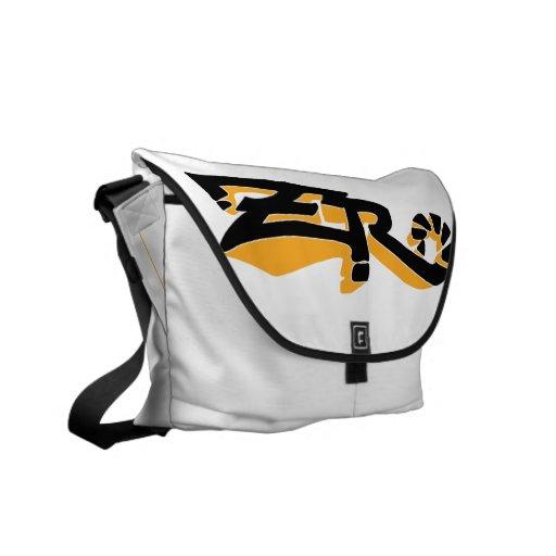 La bolsa de mensajero (ambarina) de la marfil del  bolsas de mensajería