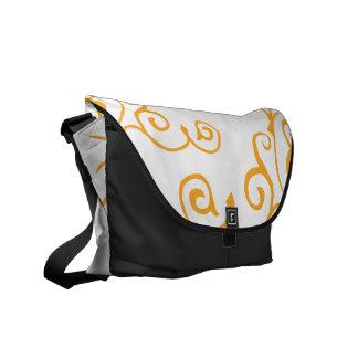 La bolsa de mensajero (ambarina) de la marfil del  bolsas messenger