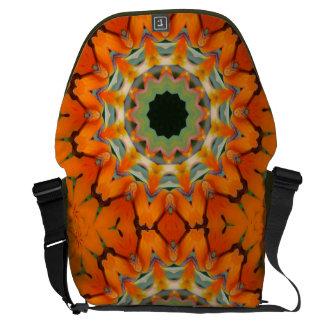 La bolsa de mensajero anaranjada del arte bolsa de mensajería