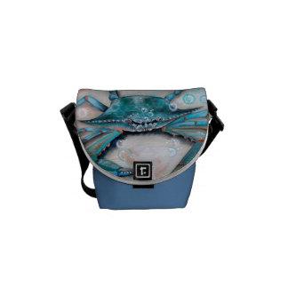 La bolsa de mensajero azul del cangrejo de la garr bolsas de mensajería