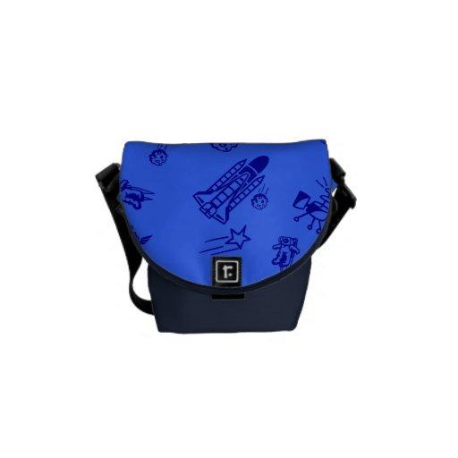 La bolsa de mensajero azul del carrito del espacio bolsas de mensajería