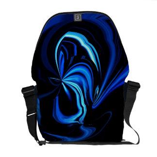 La bolsa de mensajero azul del extracto de la mari bolsa de mensajeria