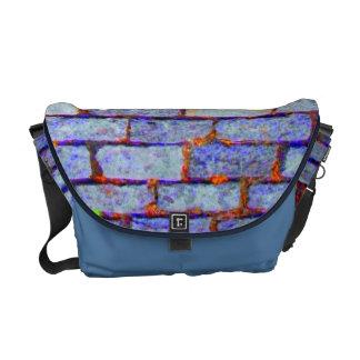 La bolsa de mensajero (azul) urbana del carrito de bolsas de mensajería
