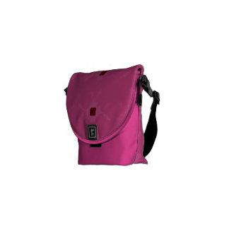 La bolsa de mensajero bonita del modelo del rosa d bolsas de mensajeria