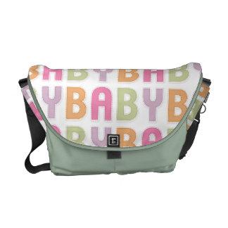 La bolsa de mensajero colorida de la mamá del cuar bolsas de mensajeria