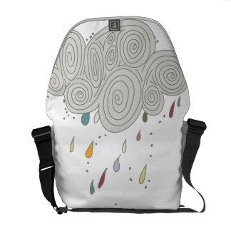 La bolsa de mensajero colorida del medio de la bolsa de mensajería