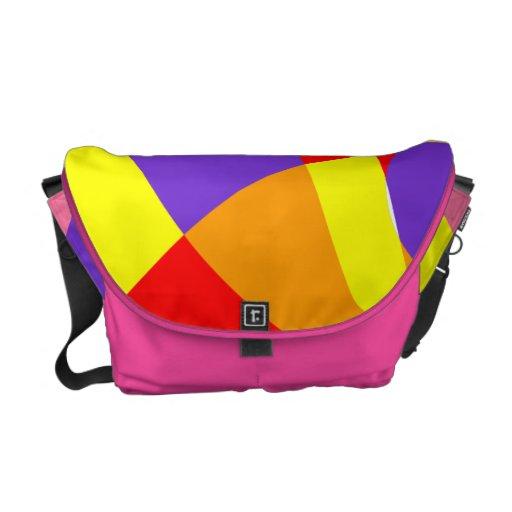 La bolsa de mensajero colorida del modelo bolsas de mensajería