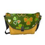 La bolsa de mensajero con el día de St Patrick inc Bolsas Messenger