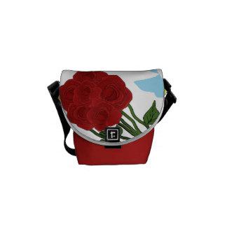 La bolsa de mensajero con los rosas rojos bolsas de mensajeria