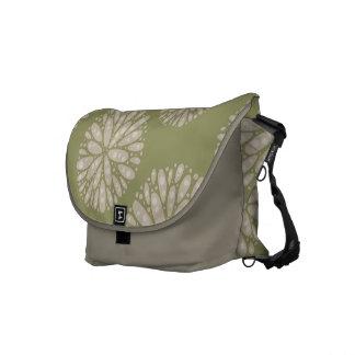 La bolsa de mensajero coralina verde oliva beige d bolsas de mensajeria
