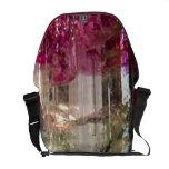 La bolsa de mensajero cristalina magenta del arte bolsas messenger