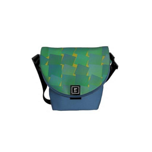 La bolsa de mensajero cuadrada flotante del modelo bolsas de mensajería