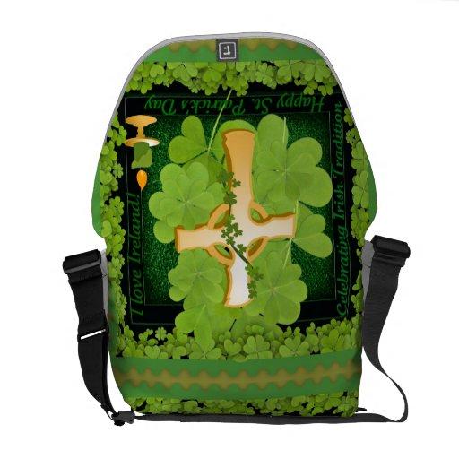 La bolsa de mensajero de Irlanda del amor del día  Bolsas De Mensajería