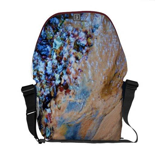 La bolsa de mensajero de piedra coloreada de la co bolsas messenger