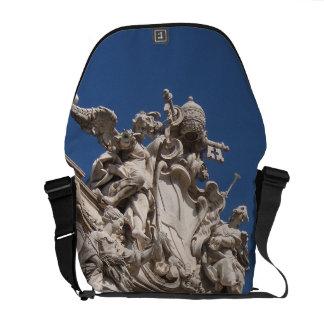 La bolsa de mensajero del carrito de la fachada de bolsas messenger