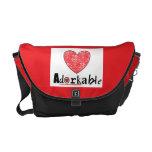 La bolsa de mensajero del corazón de Adorkable Bolsas De Mensajeria