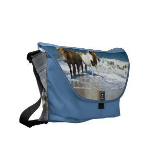 La bolsa de mensajero del diseño de la nadada del  bolsas de mensajería