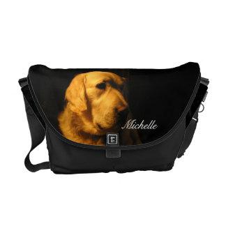 La bolsa de mensajero del golden retriever bolsas messenger