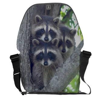 La bolsa de mensajero del mapache de tres amigos bolsas de mensajeria