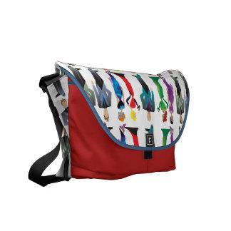 La bolsa de mensajero del medio de las huéspedes bolsas de mensajería