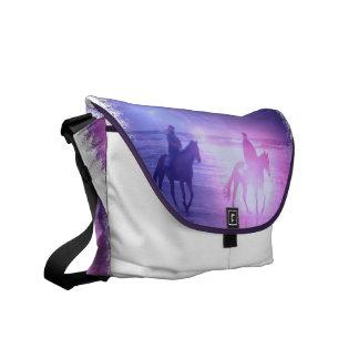 La bolsa de mensajero del paseo de la playa del ca bolsas messenger