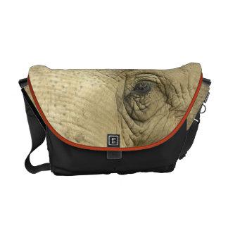 La bolsa de mensajero del primer del ojo del elefa bolsas de mensajeria