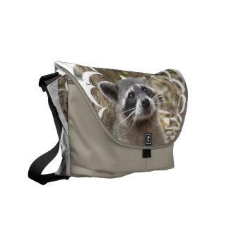 La bolsa de mensajero enmascarada del mapache bolsa de mensajeria