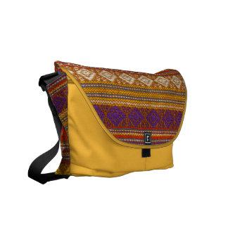 La bolsa de mensajero enrrollada de punto retra de bolsa messenger