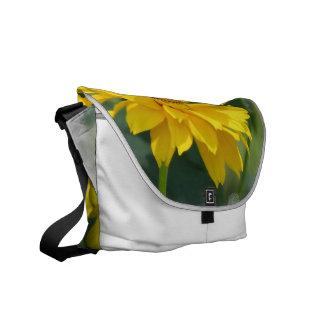 La bolsa de mensajero falsa amarilla de los giraso bolsa de mensajeria