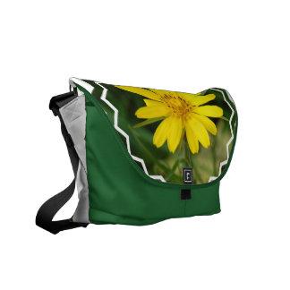La bolsa de mensajero falsa del girasol bolsa de mensajeria