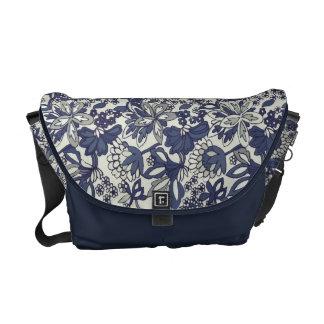 La bolsa de mensajero floral caprichosa retra de l bolsa messenger