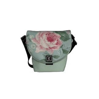 La bolsa de mensajero floral color de rosa rosada  bolsa messenger