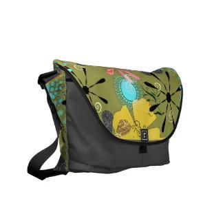 La bolsa de mensajero floral retra del carrito bolsas de mensajería